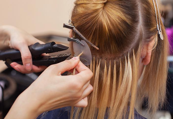 Czy przedłużanie włosów je niszczy?